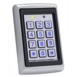 Cititor de proximitate Rosslare AYCQ64B stand-alone metalic cu tastatura,De interior/exterior, antivanda,lIluminat, acces cu cod,Maxim 500 utilizatori,Cartela sau ambele