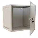 "4U Wallmounted cabinet 19""/ 450mm, usa fata sticla securizata, inchidere cu cheie, RAL7035 alb, 2 montanti, 8 seturi surub+piulita, sistemul de montare pe perete, predecupaje in tavan si podea pentru intrare cabluri, IP-20, se livreaza dezasamblat, 8"